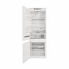Kombinovaná chladnička SP40 802 EU 2 společnosti WHIRLPOOL, s volně stojící mrazničkou dole v energetické třídě E. Chladnička nabízí hrubý vnitřní objem až 400 litrů. Chladící prostor se skládá z 5 poliček (z toho 3 jsou nastavitelné), extra lahůdková zásuvka a zásuvka na ovoce a zeleninu. Ve dveřích se nachází 4 složky a mrazící prostor se dělí na 3 přihrádky. Chladnička disponuje různými funkcemi a 6. smyslem.