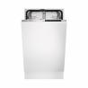 Jedná se o vestavnou myčku nádobíznačky Electrolux ESL4581RO, která je zařazená do energetické třídy A ++, tudíž spotřeba energie je nízká. Myčka dokáže umýt maximálně 9 jídelních sad. K dispozici máte 2 koše na nádobí. Součástí jsou 4 teploty mytía 6 programů mytí. Spotřeba vody na jeden mycí cyklus je jen 9,9 l.