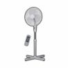 Stojanový ventilátorznačkyGOODLINE FS 1601CRnabízí až ze3 rychlostí. Průměr vrtule činí 40 cm. Funkceoscilaceumožňujeotáčení ventilátoru v rozmezí 90°. Ventilátor je vybavenmotorem, který je chráněn proti přehřátí a bezpečnostní mřížka proti poranění. Součástí balení jedálkový ovladač, který slouží k ovládání.