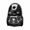 Sáčkový vysavač RowentaRO3985EA patří doenergetické třídy AAA, která zaručujenízkou spotřebu energiea zaručuje i nejlepší výsledek vysávání. Celkovývýkon činí 750 W a lze ho regulovat. Výhodou jepěnový filtr, který domácnost zbaví všech nežádoucích částic. K dispozici jeprachový sáček Hygiene+s kapacitou3 l. Akční rádiusmá délku8,8 m.