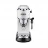 Pákový kávovar DELONGHI EC 685 W v bílé barvě. Objem nádržky na vodu má 1,1 l. Příkon 1300 W a parný tlak 15 barů. Součástí je nastavitelná napěňovací tryska, se kterou si připravíte např. lahodné cappuccino se smetanovou pěnou. Výhodou je ohřívání šálků, což Vám zaručí kávu déle teplou. Vhodný na mletou i porcovanou kávu. K dispozici možnost automatického vypnutí, což šetří energii.