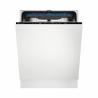 Vestavná myčka nádobíElectrolux EEM48321L se šířkou60 cm. Velmi úspornáenergetická třída D (energetická norma 2021) s tichým provozem 44 dB. Energetická třída A+++. Vodní senzorAutoSenseefektivně přizpůsobuje spotřebu vody, podle aktuálního obsahu myčky. SušeníAirDryvyužívá přirozeného proudění vzduchu a na konci cyklu pootevře dvířka. Přehledné ovládání, díkyQuickSelect a TimeBeam- promítání informací na podlahu. Praktická zásuvkaMaxiFlexzjednoduší umývání všech kuchyňských pomůcek.