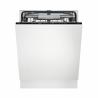 Vestavná myčka nádobíElectrolux EEC67300L, která má šířku 60 cm. Spotřebič řadíme doúsporné energetické třídy D (energetická norma 2021)s hlučností44 dB. Energetická třída A+++. InteligentníAUTO Sensesystém přizpůsobuje spotřebu vody obsahu myčky (FuzzyLogic). Účinné a ekologickésušení AirDryvyužívá přirozeného proudění vzduchu - automatické odchýlení dvířek v závěrečné fázi. Vysoká účinnost spotřebiče: třída umývání A a třída sušení A.