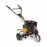 Tentokultivátor STIGA SRC 685 RG se stane Vašimvýborným pomocníkem pro kypření půdypřed sázením. Součástí ječtyřtaktní motors objemem182 cm3. Celkovývýkon činí 3,5 kW při otáčkách 3300/min. Vybavení:6 nožů a 2 ochranné talíře. 2 rychlosti (dopředu a dozadu). Převodovka je v olejové koupeli.